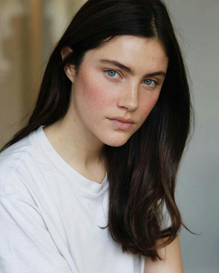 Anna Christine Speckhart In 2020 Black Hair And Freckles Dark Hair Pale Skin Hair Pale Skin