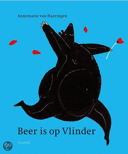 Beer is op vlinder van Annemarie van Haeringen