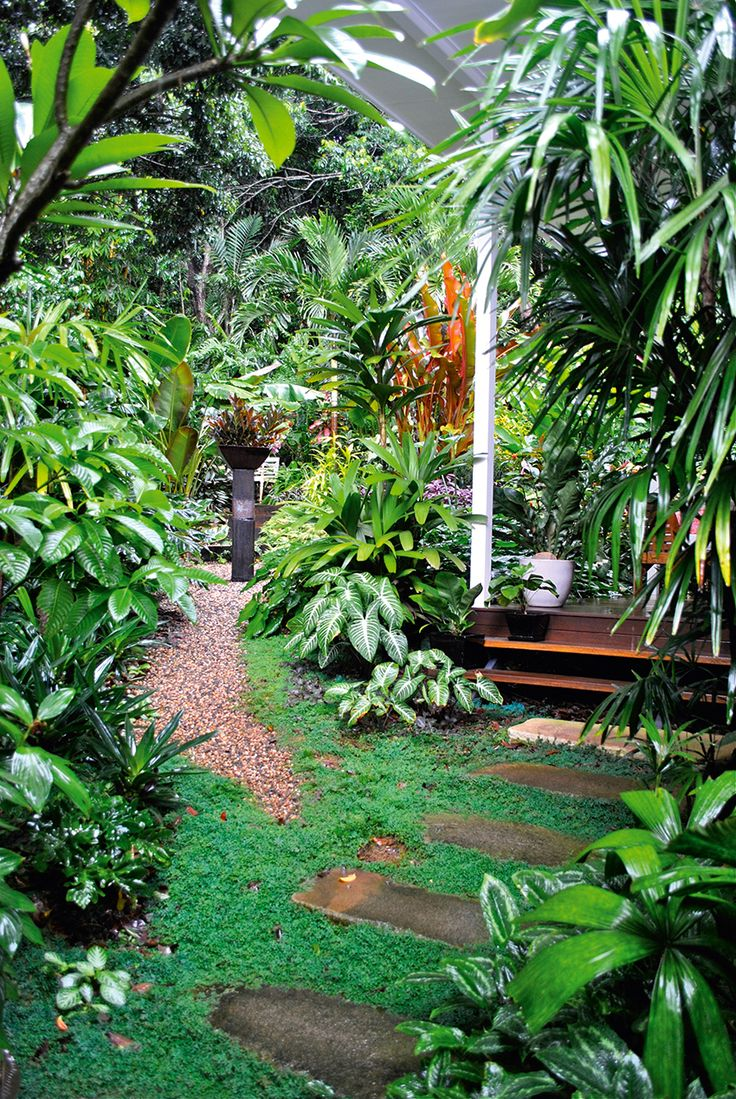 Outdoor Living: Tropical Tabu - Queensland Homes - Words & Photography by Kim Woods Rabbidge