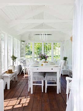 Beautiful Sunroom...