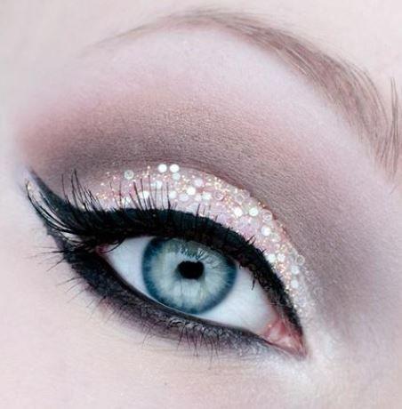 Stupendo trucco chiaro occhi azzurri per Capodanno 2014