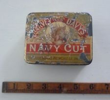VINTAGE RARE HARVEY & DAVY'S NAVY CUT TOBACCO TIN NEWCASTLE ON TYNE FOX HINGED