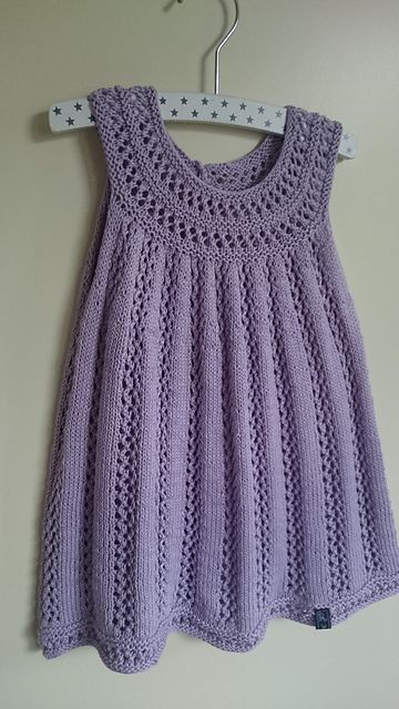 Ravelry: Project Gallery for Elvira pattern by Sanne Bjerregaard
