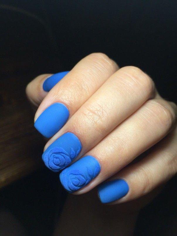 Красивый бархатный дизайн ногтей с объемным узором
