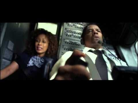 "▶ ""Flight"" (2012 film) crash scene - YouTube"