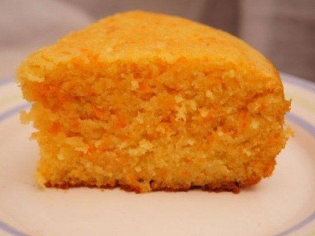 """Морковный бисквит в мультиварке http://anymenu.ru/recipe/morkovnyj-biskvit-v-multivarke/  Эта выпечка получается нежной и одновременно напоминает как кекс, так и сладкий пирог. Она отлично подходит для создания тортов, но и в виде простого кексика к чаю отлично """"сыграет""""."""