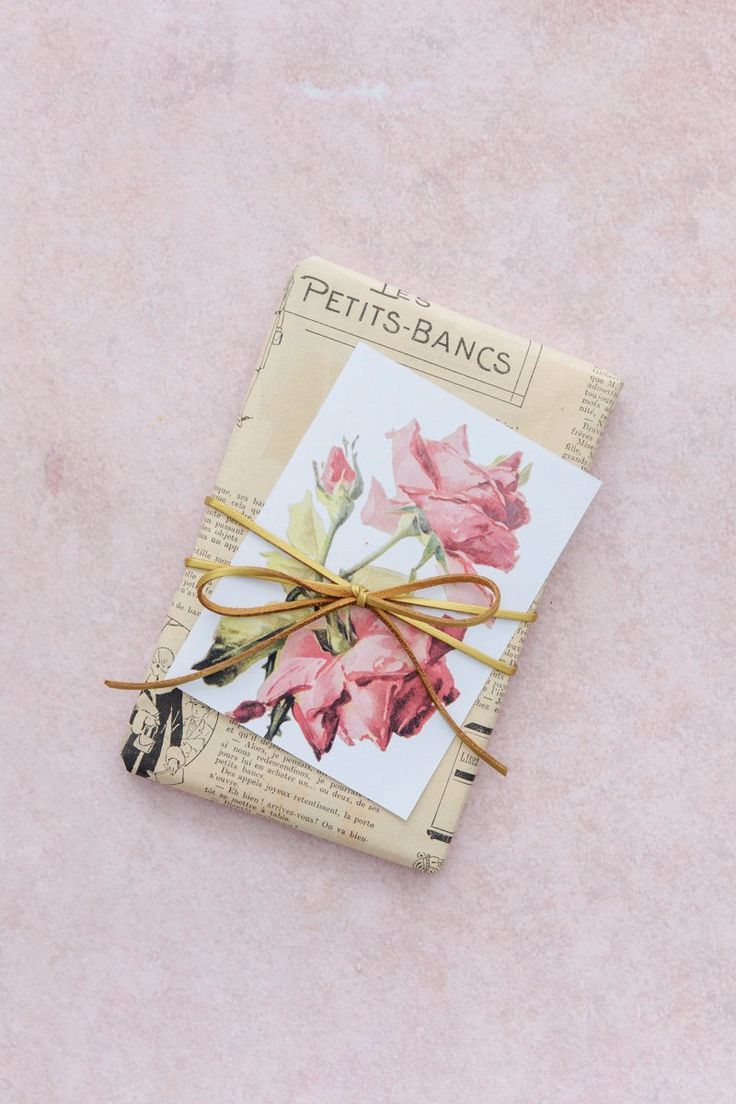 Vintage floral gift tags.