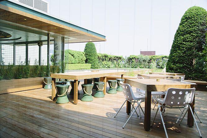 デザイナー、皆川 明の視点がいたるところに表現された〈ミナ ペルホネン〉流のライフスタイルショップ〈call〉が東京・南青山にオープン。ここでしか出会えない、特別なものの宝庫だ。