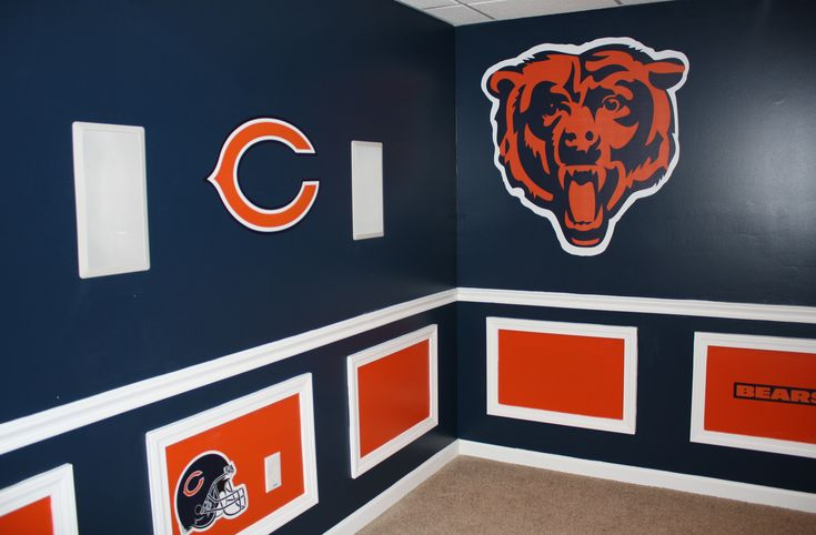 I want a Chicago Bears woMAN cave like this! Bear Down!.  I don't even have to change this caption because it's so perfect.