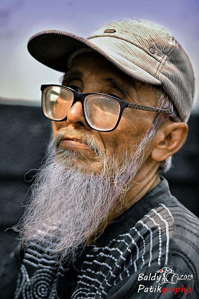 Bapak Jenggot [Mr. Beard] by Baldy Patikraja