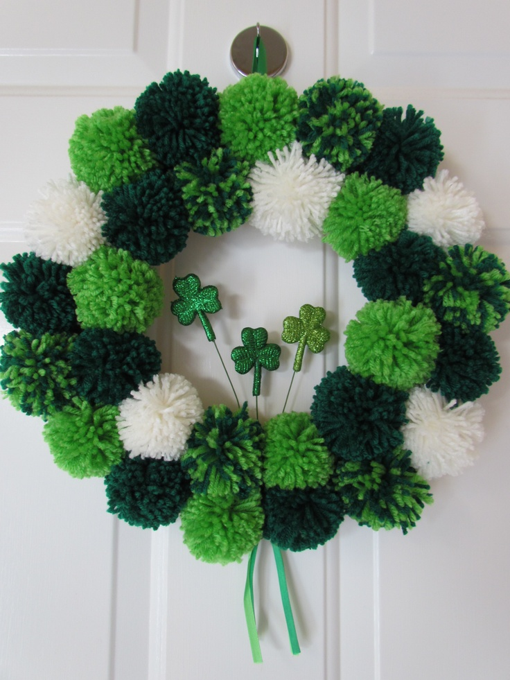 St. Patrick's Day Pom Pom Wreath - Crafty Designs by Beth