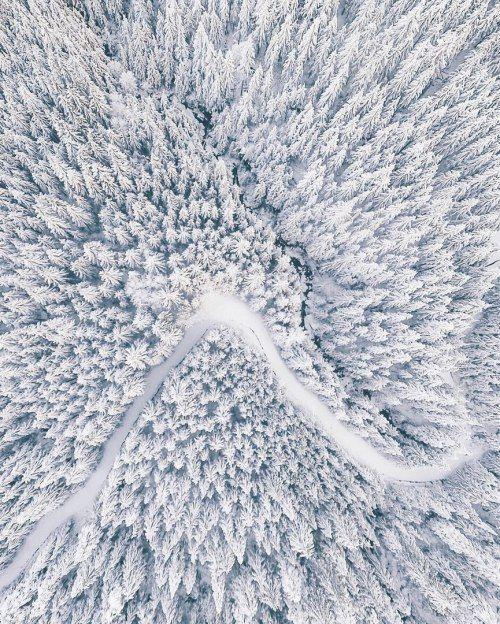 Polar ice cap, #GlacialLandform #Paper A Sky Full of Stars, #Wallpaper #Levkas Rice paper, SKY Brasil Serviços Ltda. - Follow #extremegentleman for more pics like this!