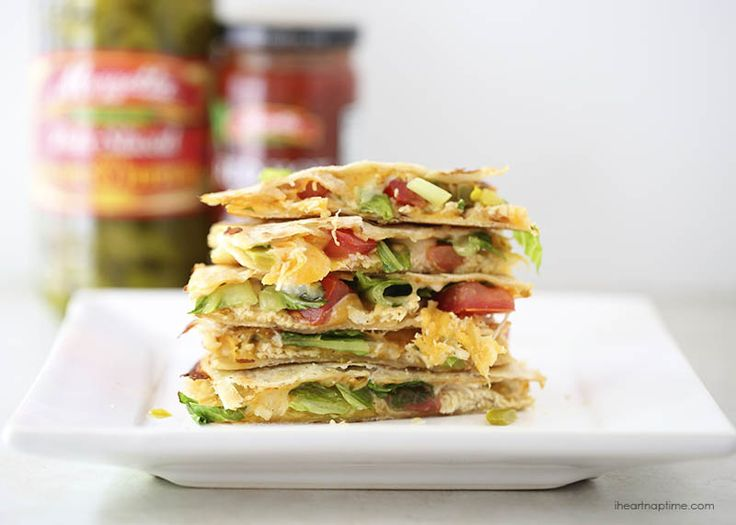 Spicy chicken quesadilla sandwich I Heart Nap Time | I Heart Nap Time - Easy recipes, DIY crafts, Homemaking