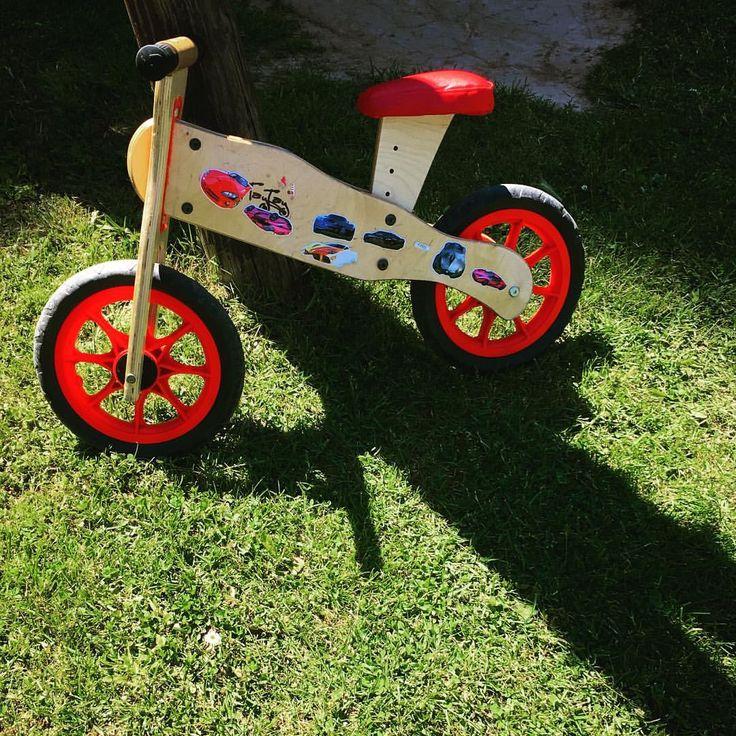 """16 Likes, 2 Comments - selennejat (@me_myself_and_twins) on Instagram: """"stickerlardan da anlaşılacağı gibi benim oğlum Ferrari niyetine biniyor denge bisikletine 😂…"""""""