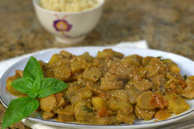 Guisado vegetariano com couscous [Vegetarian stew with couscous] | Petiscana