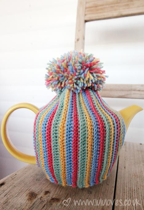 Crochet pom-pom teapot cosy @ LuluLoves with link to you-tube tutorial for cosy - make it longer to add pom-pom