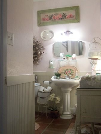 Pink bathroom...(from Cherry Hill Cottage)