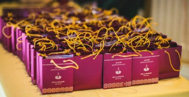 Wedding Gifts To India: Best 25+ Indian Wedding Favors Ideas On Pinterest