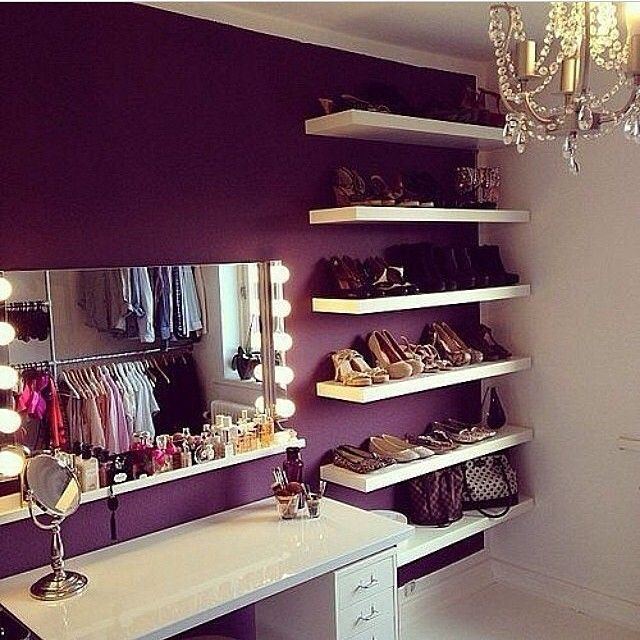Beauty table within the closet like at modeling school.   Love!