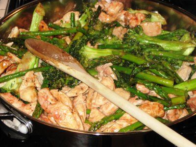Eats Well With Others: Chicken, Asparagus, and Broccoli Stir Fry