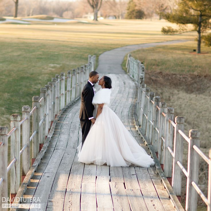 17 best images about tutera tips trends on pinterest for Wedding photography equipment checklist