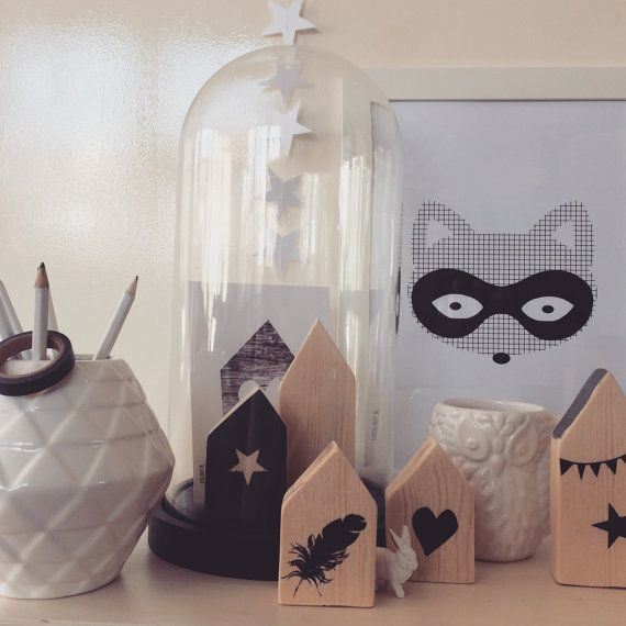 Weer wat anders onder de stolp | Something else under the glass bell #interior #interieur #wood #hout #houses #huis #postcard #poster #fox #vaas #vos #vase #hema #hart #heart #stars #ster #feather #veer #stolp #glass #bell #rabbit #owl #uil #life #papercandy #papergoods www.papercandy.nl ❤️