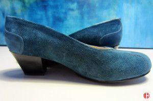 blue-shoos, lage blauwe pumps van suède en leer