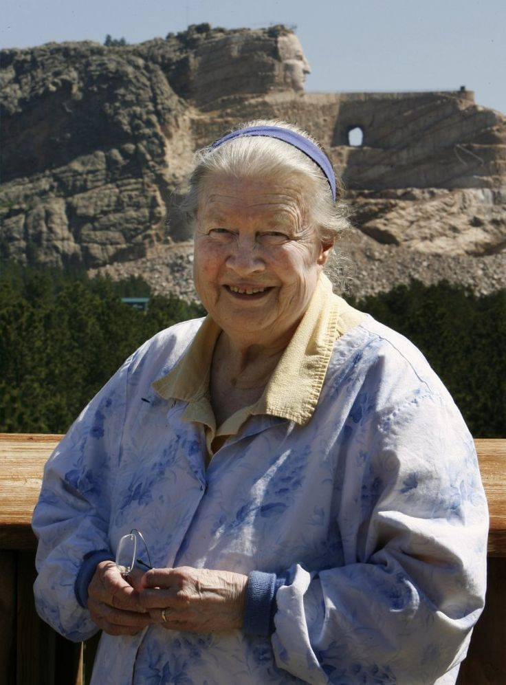 Ruth Ziolkowski, who oversaw the Crazy Horse Memorial after the death of her husband, sculptor Korczak Ziolkowski, has died at 87.