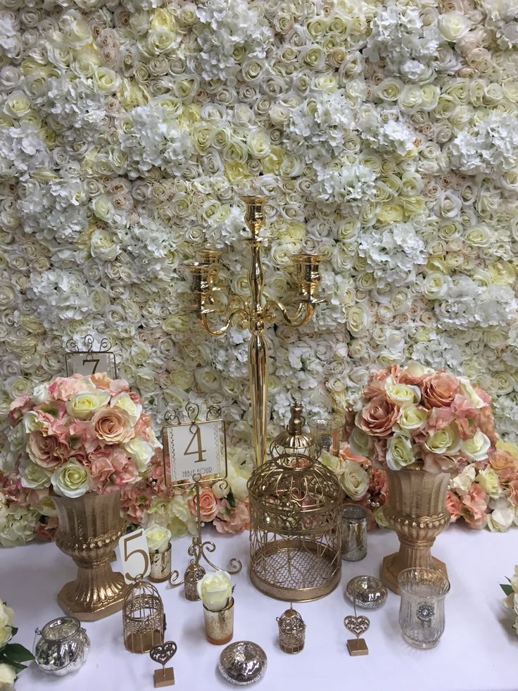 Cream #flowerwall with gold