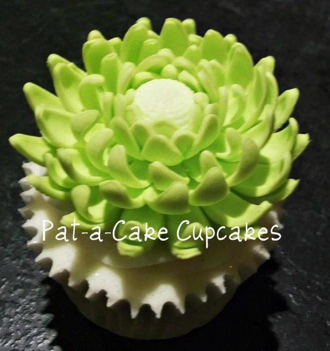 Cactus Flower Cupcake