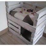 Gatificación: Una cama con refugio para tu gato con cajas de fruta | La Loca de los Gatos