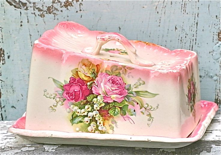Shabby butter dish...: Pink Flowers, Covers Dishes, Vintage Dishes, Shabby Chic, Vintage Antique, China Dishes, Pink Rose, Chee Dishes, Butter Dishes