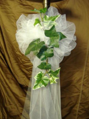 ivy and tool pew decoration