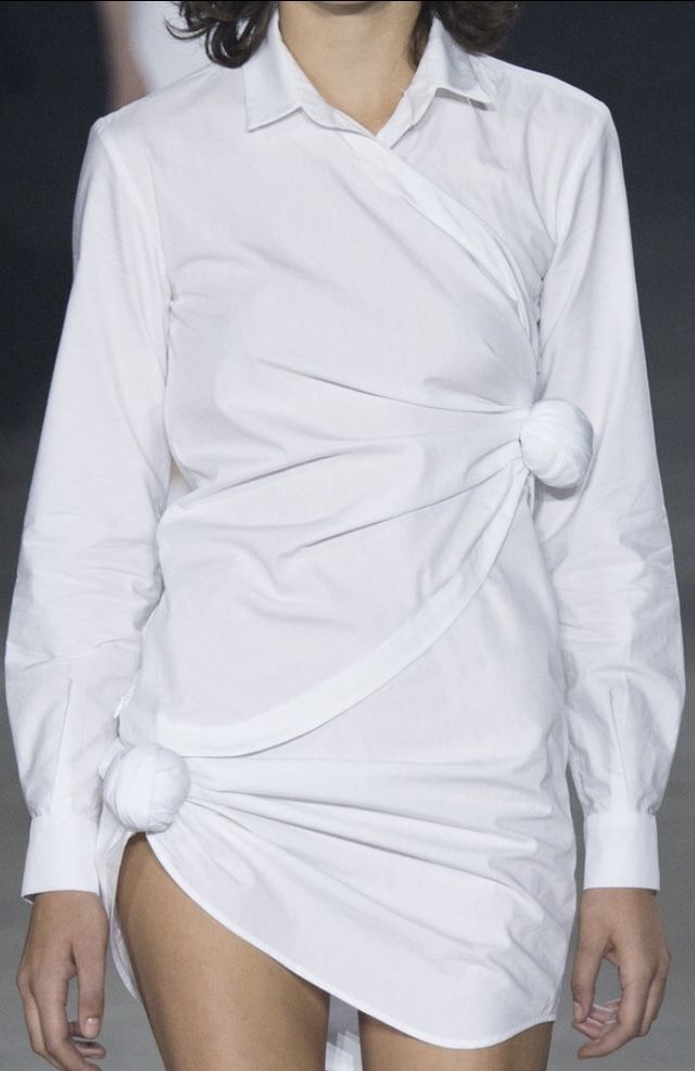 Knotted white shirt, reinvented fashion details // Jacquemus Spring 2016