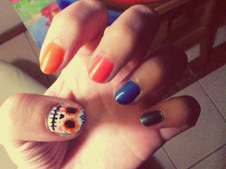 Mis uñas ! Calavera mexicana