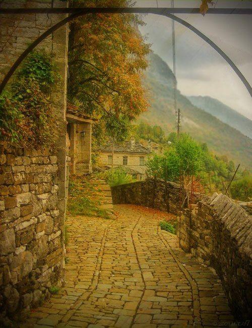 Μονοδένδρι Ζαγοροχώρια ~ http://anesisrooms.tumblr.com/post/100736383378
