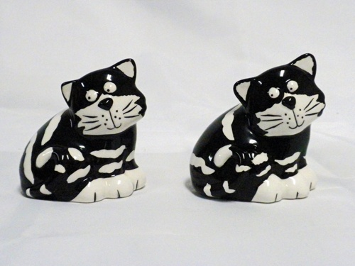 Chester Cat Salt and Pepper Shakers