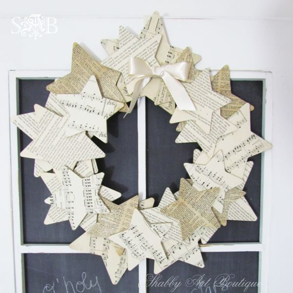 Hometalk :: 7 Shabby, Vintage Christmas Projects - How very simple but lovely.  I'm going to make one of these - although I think I will add a larger bow and make it red.