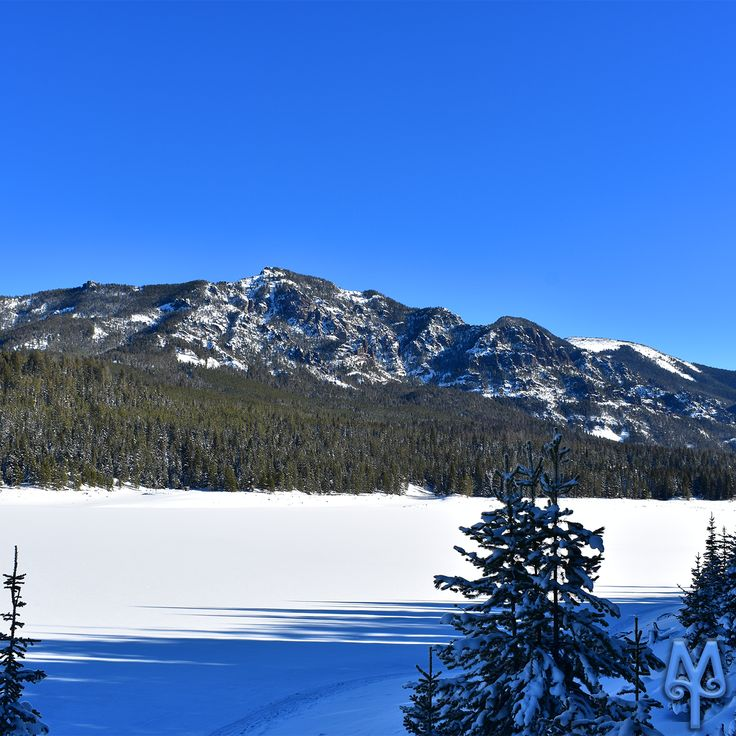 Cross country skiing adventure along Hyalite Reservoir, Bozeman, Montana...Click on this image to discover hiking and recreational destinations in southwest Montana.