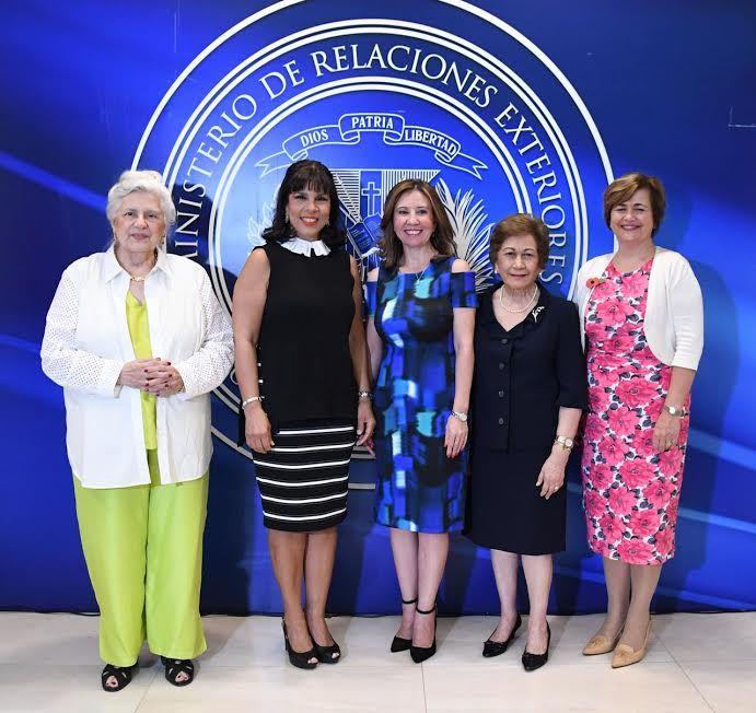 Más de 20 países participarán en Bazar Internacional de las Damas Diplomáticas