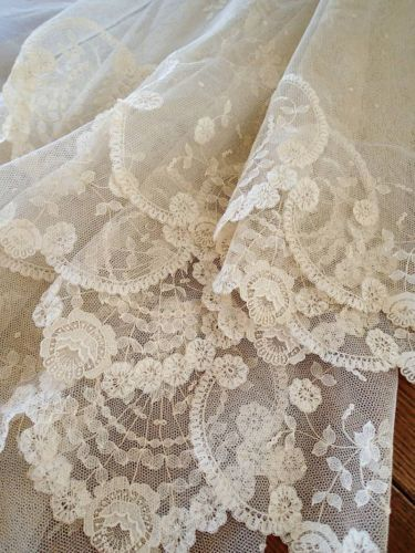 So delicate and feminine~Antique, Brussels Princess Lace Veil~❥