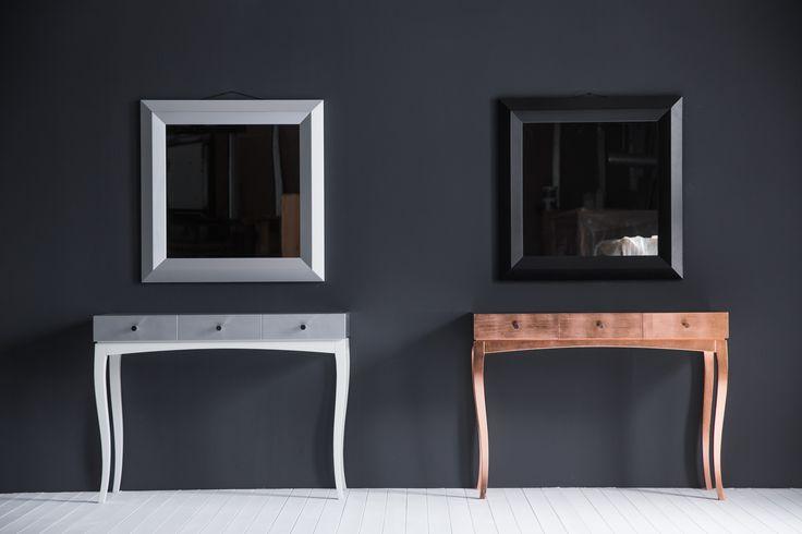 Интерьерная консоль SILVER&WHITE и  GOLD с тремя ящиками + зеркало. Дизайн -- Алексей Тискин.Чтобы приобрести консоль с нужными Вам фасадами и основанием, напишите нам info@tiskin.ru