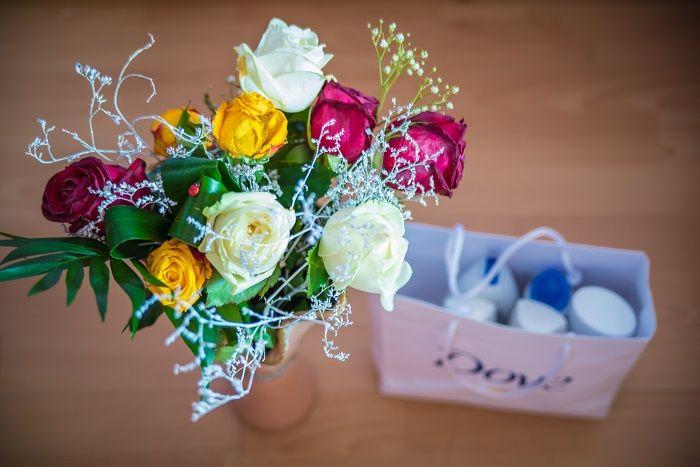 www.miu-miu.ro  flowers, roses, present