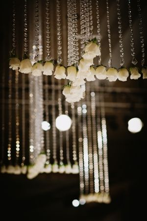 Rose and crystal wedding decor | photography by http://www.blogjerry.com/