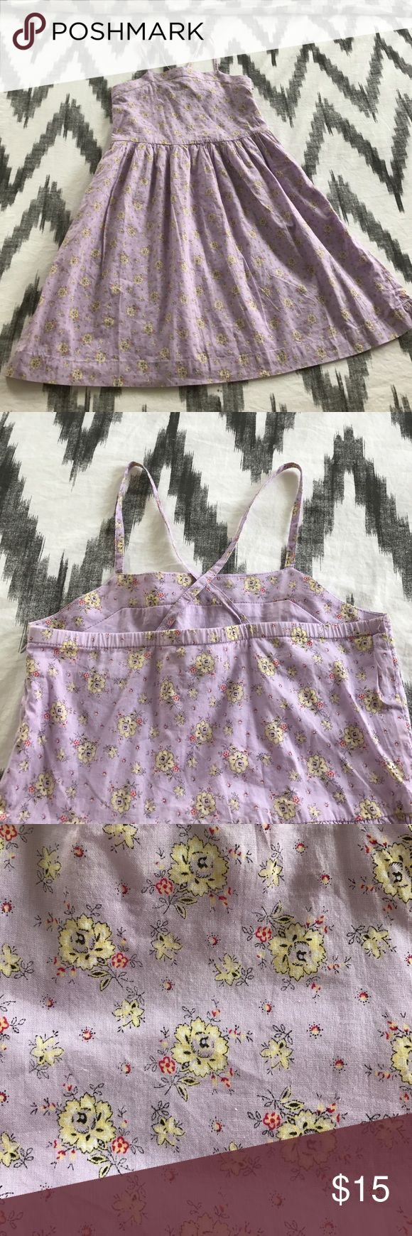 🌸☀️Adorable lavender & floral Gap girls sundress This sweet floral lavender colored spaghetti strapped sundress is in excellent like new condition with no pilling, stains, or rips. GAP Dresses Casual