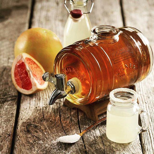 Novinka od Kilnera: skleněný soudek na servírování tvrdého alkoholu či likérů 😍🍸 / New Kilner drinkdispenser