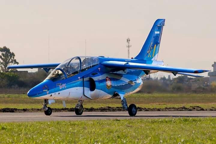 El IA 63 Pampa (Instituto Aerotécnico modelo 63) es un avión de entrenamiento biplaza con capacidades de combate, producido en la República Argentina originalmente por la Fábrica Militar de Aviones (FMA) en la provincia de Córdoba, con la asistencia de la empresa Dornier Flugzeugwerke de Alemania....Está basado en el diseño del Alpha Jet.
