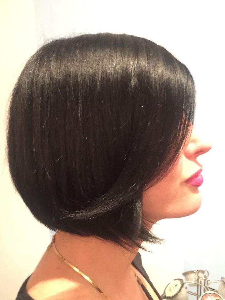 Stylist Christy Claborn. Classic bob haircut / Graduated bob haircut.  (949) 294-7400 for an appointment with Christy!  Salon Sovay...next door  500 West Oltorf Street Austin TX 78704  www.salonsovay.com  #classicbob  #graduatedbob #shatteredbob  #transientbob  #alinebob