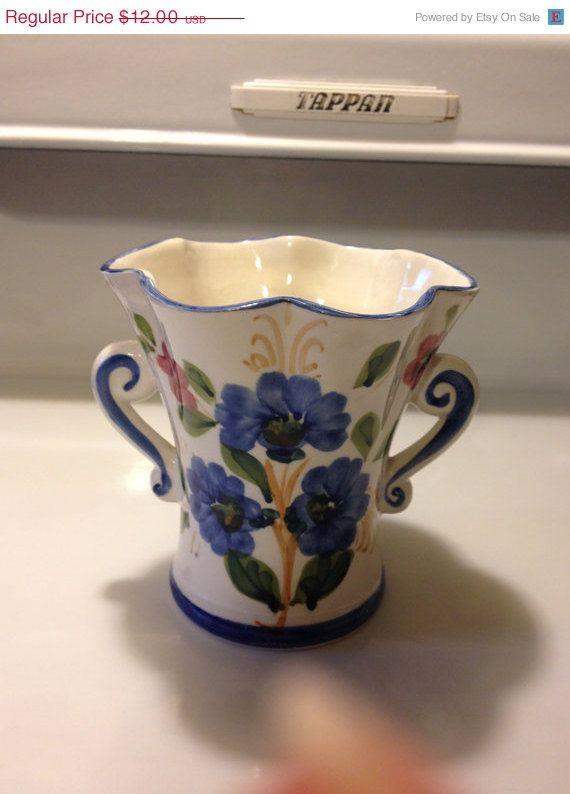 Portugal Vase Fluted Rim Floral Hand by VisualaromasVintage