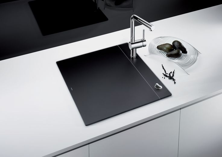 The award-winning BLANCO CRYSTALLINE™ in black sink ...
